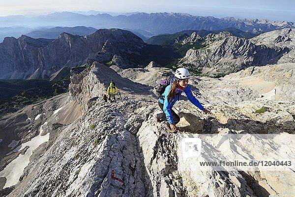 Aufstieg von der Dom Planika pod Triglavom-Hütte zum Triglav-Gipfel  Triglav Nationalpark  Julische Alpen  Slowenien  Europa