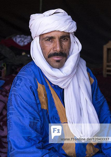 Portrait of Berber camel leader  Merzouga  Morocco  North Africa  Africa