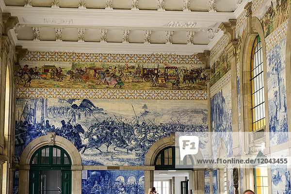 Tiles (azulejos) in entrance hall  Estacao de Sao Bento train station  Porto (Oporto)  Portugal  Europe