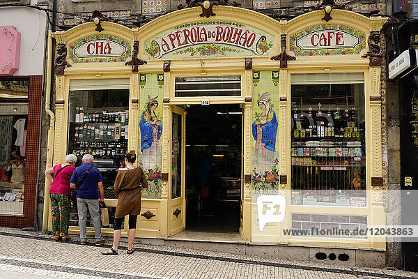Highly decorated shop  Porto (Oporto)  Portugal  Europe