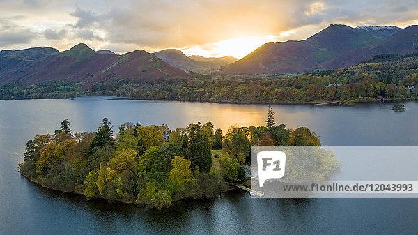 Derwent Water  Lake District National Park  UNESCO World Heritage Site  Cumbria  England  United Kingdom  Europe