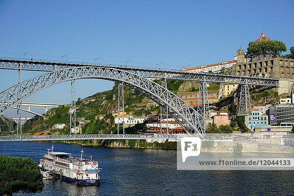 Ponte de Dom Luis I over River Douro  Porto (Oporto)  Portugal  Europe