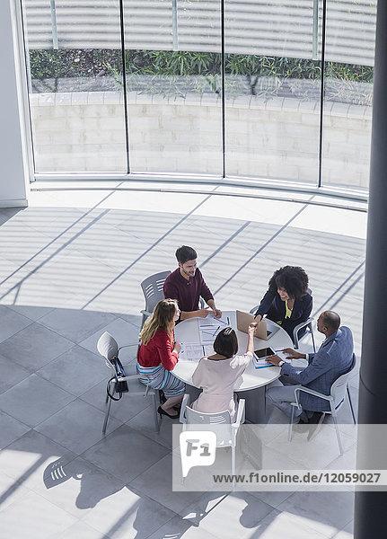 Geschäftstreffen  Planung im Büromeeting