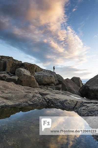 Felsenbecken am Meer in Bjuroklubb  Schweden