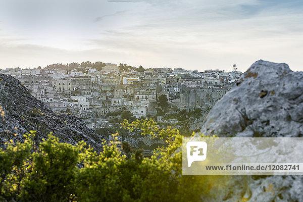 Italien  Basilicata  Matera  Stadtbild und historische Höhlenwohnung  Sassi di Matera