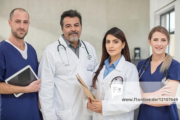 Porträt von Ärzten und Ärztinnen