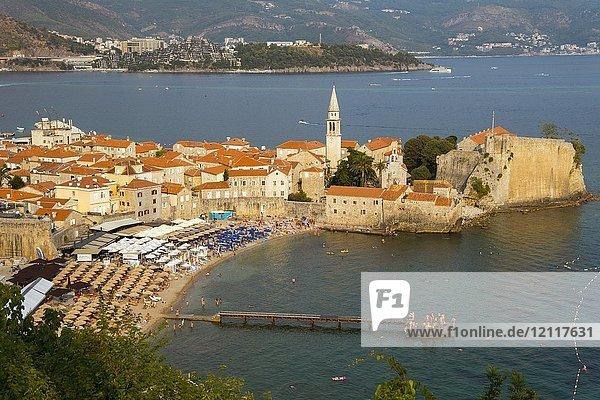 Altstadt mit Strand  Budva  Montenegro  Europa