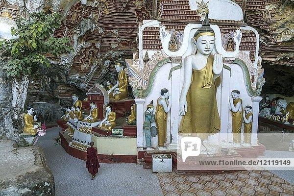 Buddha statues in the Kawgun Cave  Hpa-an  Myanmar  Asia