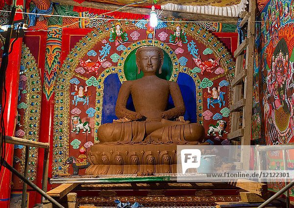 New statue being made with clay in Chonjgon monastery  Tongren County  Longwu  China.