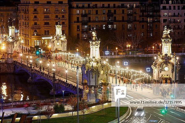 Maria Cristina Bridge  Christmas  Donostia  San Sebastian  Gipuzkoa  Basque Country  Spain  Europe