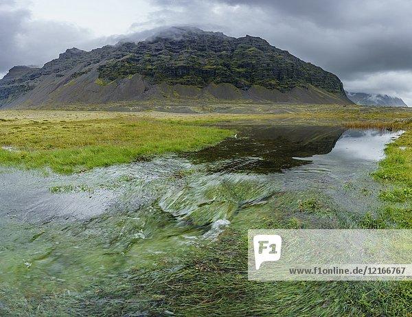 Natural world  Glacial Area  Breidamerkurjokull Glacier  Iceland.