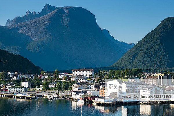 Šndalsnes is located at the mouth of the river Rauma  at the shores of the Romsdalsfjord  Norway.