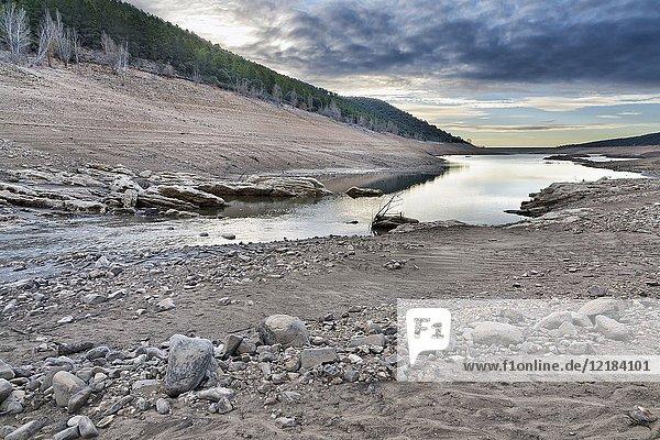 Drought at Belenia reservoir. Sierra Norte. Guadalajara. Spain.