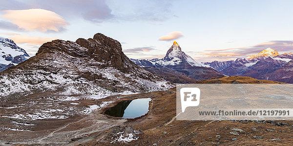 Schweiz  Wallis  Zermatt  Matterhorn  Riffelsee am Vormittag