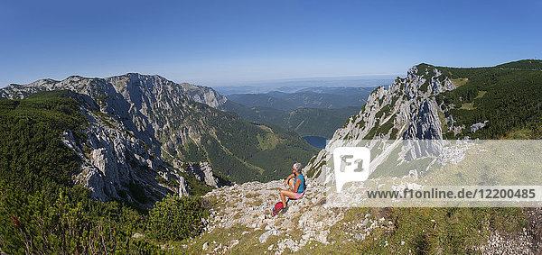 Österreich  Salzkammergut  Ebensee  Feuerkogel  Langbathsee  Höllengebirge  Wandererinnen