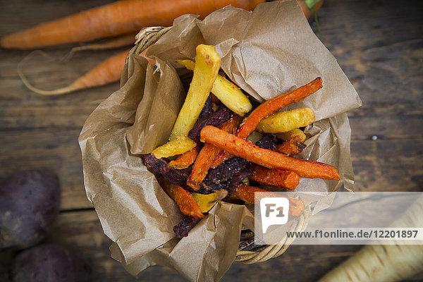 Bio-Rüben-  Karotten- und Pastinakenpommes frites
