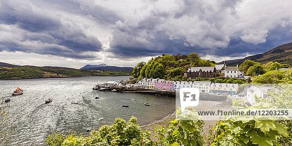 Vereinigtes Königreich  Schottland  Isle of Skye  Portree  Hafen