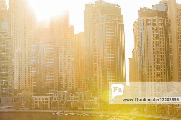 United Arab Emirates  Dubai  Dubai Marina and sun light