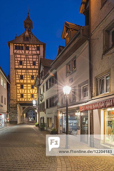 Deutschland  Konstanz  Schnetztor bei Nacht