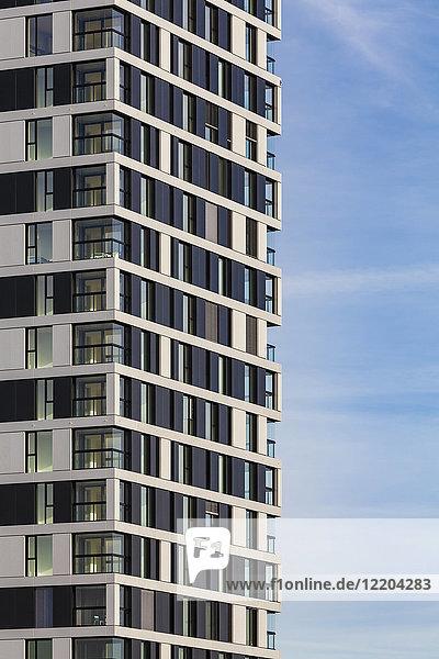 Deutschland  Stuttgart  moderner Wohnturm  Teilansicht