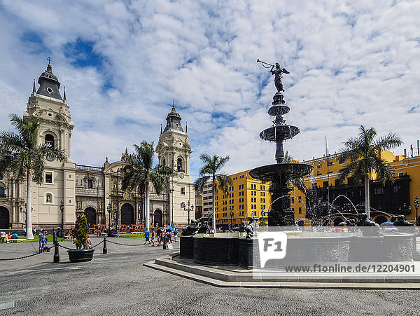 Cathedral of St. John the Apostle and Evangelist  Plaza de Armas  Lima  Peru  South America