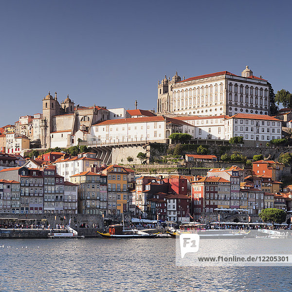 Ribeira District  UNESCO World Heritage Site  Se Cathedral  Palace of the Bishop  Porto (Oporto)  Portugal  Europe