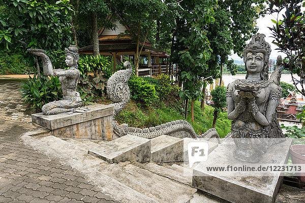 Asia  Thailand  Chang Saen  Sop Ruak  Wat Phra That Pukhao temple