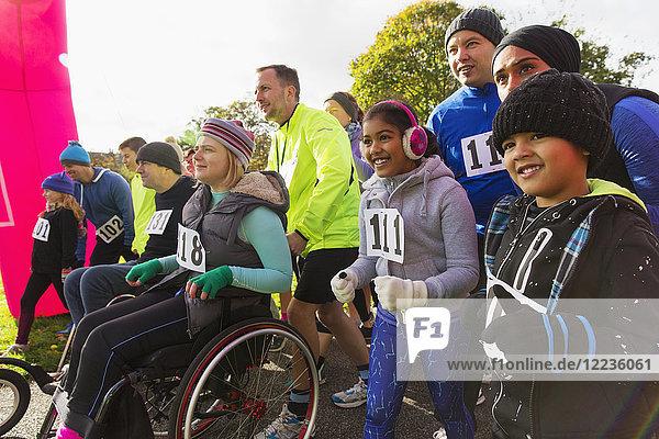 Begeistertes Publikum beim Charity-Rennen am Start