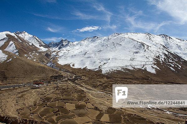 Mountain landscape of Southern Tibet  Himalayas  China  Asia
