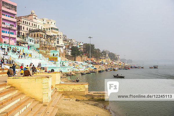 Ghats on the River Ganges banks  Varanasi  Uttar Pradesh  India  Asia