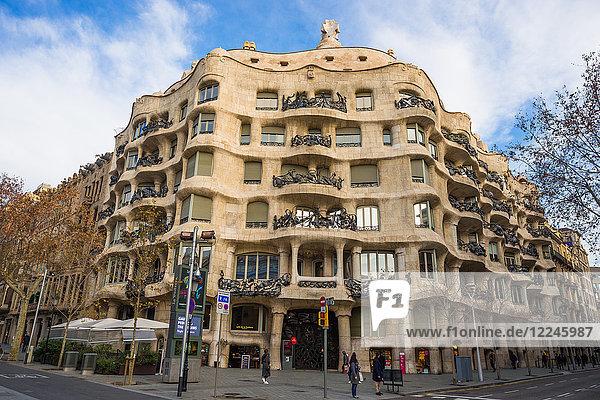 Casa Mila (La Pedrera) (Open Quarry) by Antoni Gaudi  UNESCO World Heritage Site  Paseo de Gracia Avenue  Barcelona  Catalonia  Spain  Europe