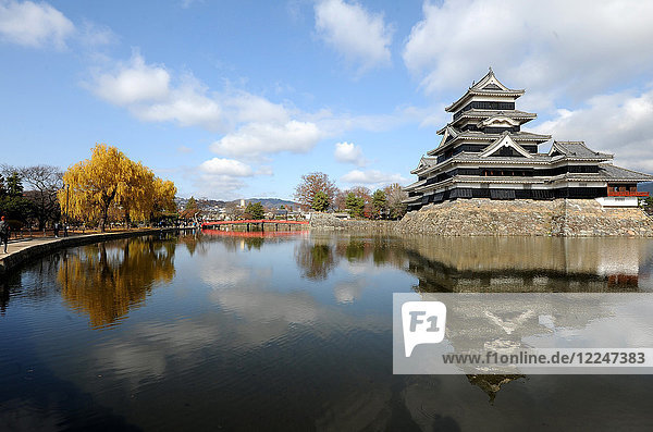 Matsumoto Castle (Crow Castle) dating from the late 16th century with wooden interiors and external stonework  Matsumoto  Japan  Asia