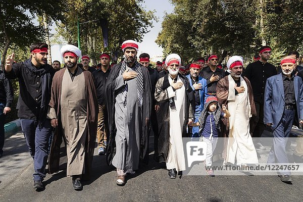 Ashura Parade  Mourning of Imam Hussain by the Shias  during the first 10 days of Muharram  Esfahan  Iran  Asia