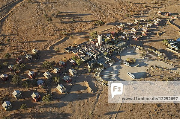 Sossusvlei Lodge  Sesriem  Namib Wüste  Luftbild  Namib-Naukluft Nationalpark  Namibia  Afrika