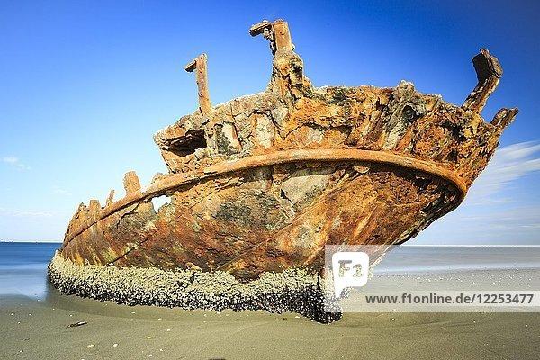 Verrostetes Schiffswrack am Strand  Pelican Point  Skelettküste  Region Erongo  Namibia  Afrika