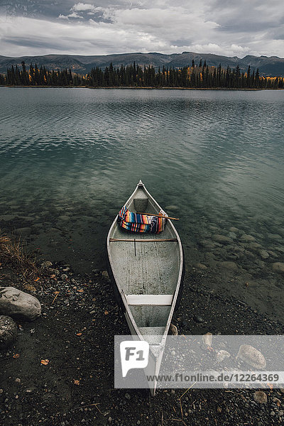 Kanada  British Columbia  Boya Lake  Boya Lake Provincial Park  kanu