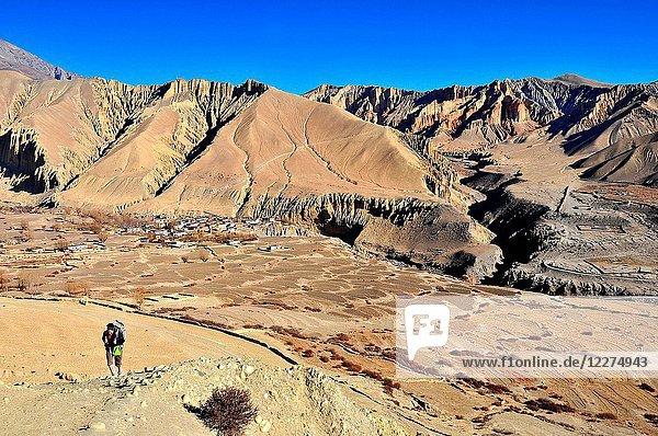 Trekker in Mustang. Nepal.