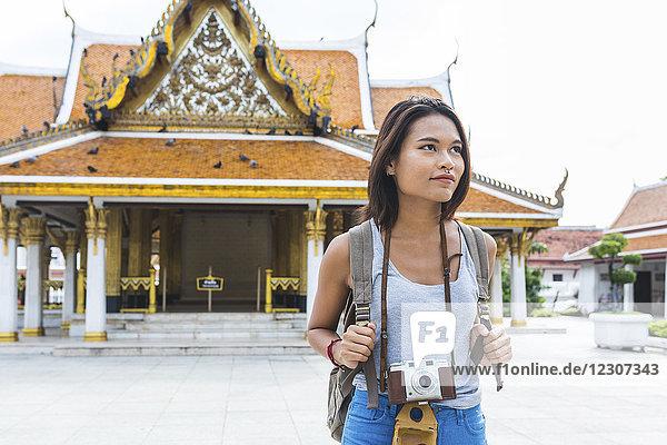 Thailand  Bangkok  Touristenportrait mit Kamera