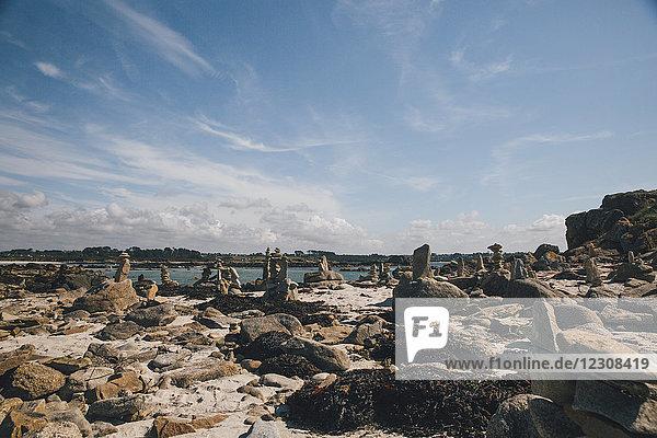 Frankreich  Bretagne  Guisseny  Felsen an der Küste