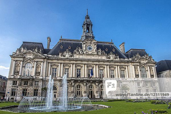 France  Tours town council  architect: Victor Laloux