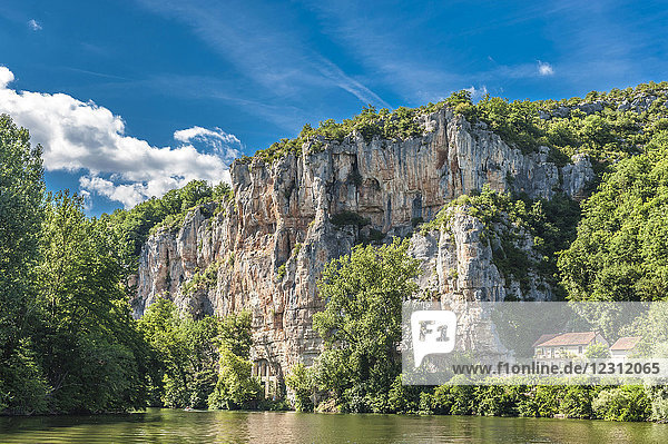 France  Lot  Causses du Quercy regional Natural park  cliffs at the edge of the lOt river between Bouzies and Saint-Cirq-Lapopie