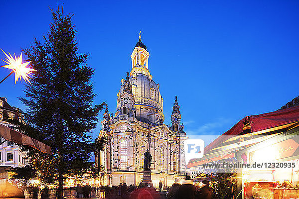 Neumarkt  Frauenkirche (Church of Our Lady) and statue of Martin Luther  Dresden  Saxony  Germany  Europe