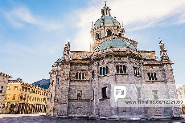 The Cattedrale di Santa Maria Assunta  Duomo di Como  located near Lake Como  Lombardy  Italy  Europe