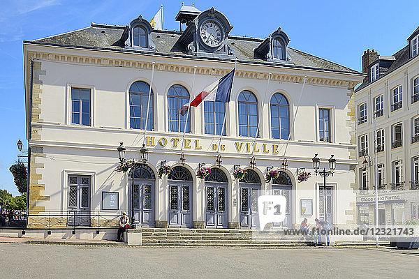 Hotel de Ville (Town Hall)  Quai Saint Etienne  Honfleur  Calvados  Basse Normandie (Normandy)  France  Europe