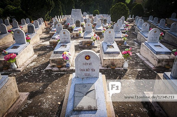 Vietnamese war veteran grave in Nghia trang Liet si Gio Linh  a Military Cemetery in DMZ (Quan Tri province  Vietnam).