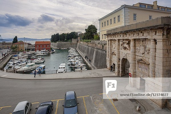 Mainland Gate (Kopnena vrata) with the Venetian winged lion over gate entrance to the city of Zadar  Dalmatia  Croatia.