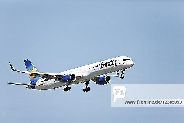 Condor Boeing 757-300 passenger aircraft  on landing approach to Franz Josef Strauss Airport  Munich  Upper Bavaria  Germany  Europe