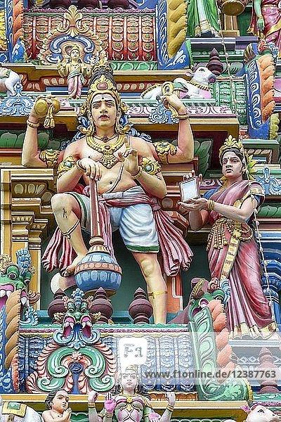 Detail  hindu figures on Arulmigu Kapaleeswarar Temple  Chennai  Tamil Nadu  India  Asia