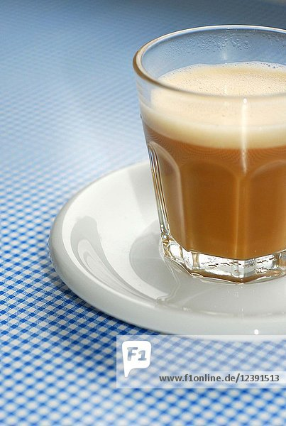 Milchkaffee im Glas