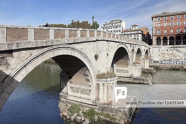 Ponte Garibaldi Bridge over Tiber River  Rome  Lazio  Italy  Europe